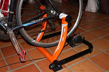 Photo of Elite Super Crono Elastogel bike trainer